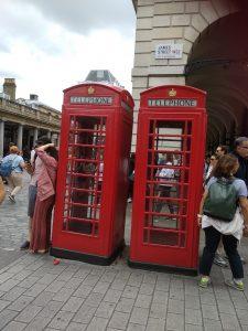 תיירים מדברים באנגלית